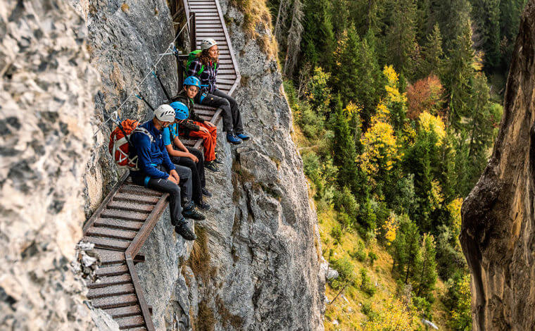 טיול הייקינג משולב במעט טיפוס הרים